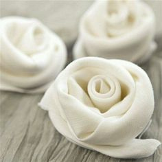 dinner party ideas | rose napkins | dinner party place settings ideas