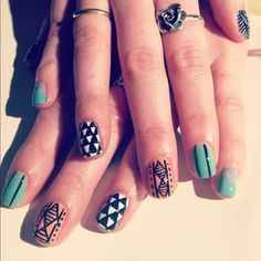 "We love these ""Summer Nails"" from Astrowifey even though it is SO winter right now. *sigh*"
