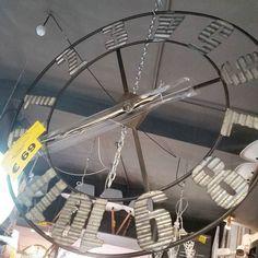#midseasonsale #orologispaziolibero #90cm #bellosfacciato #passaciacciare