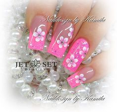 Naildesign by Kamila Achatz Jet Set Beauty training center and nail salon . Pink Nail Art, Flower Nail Art, Cool Nail Art, Nagellack Design, Nagellack Trends, Fingernail Designs, Toe Nail Designs, Fancy Nails, Pretty Nails