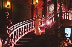 Miłego wieczoru ;-) Na zdjęciu Anita schodząca do Bartka na chwilę przed ich  pierwszym tańcem. . . #slub #ślub #weddingideas #wedding #bride #love #pieknydzien  #fineartwedding #weddings #luxury #fineartlifestyle #followme #instawedding #pierwszytaniec #luxurywedding #pictureoftheday #slubnaglowie #tiffany #fineartweddings #featurememagrouge #stylemepretty #jimmychoo #fotografslubnykrakow #fotografslubnywarszawa #pałacgoetza #weddinginitaly #weddinginfrance #weddinginspain #jamstudiopl