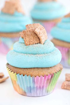Cinnamon Toast Crunch Cupcakes with your favorite breakfast cereal