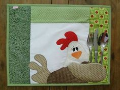 Chicken Placemat with Silverware holder Patch Quilt, Applique Quilts, Quilt Blocks, Small Quilts, Mini Quilts, Quilting Projects, Sewing Projects, Fabric Crafts, Sewing Crafts