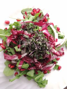 Detox salad with raw cocoa-balsamic dressing
