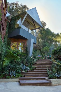 Inside Moon Juice Founder Amanda Chantal Bacon's Light-Filled Home in Rustic Canyon