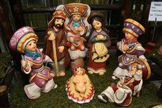 Nacimientos inspirados en culturas regionales peruanas se ofrecen en feria artesanal