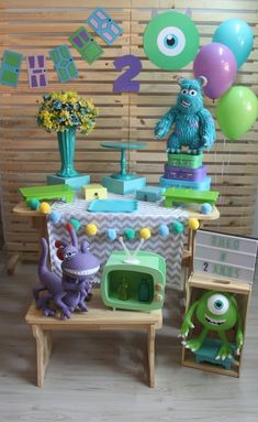 FESTA MONSTROS SA - Imaginação Festas e Papelaria Monsters University, Monster University Birthday, Monster Inc Birthday, Monster 1st Birthdays, Monster Inc Party, First Birthdays, Birthday Themes For Boys, Boy First Birthday, Boy Birthday Parties