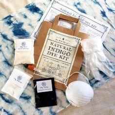 Natürlicher Farbstoff Indigo-Kit von der wilden Dyery von TheWildDyery auf Etsy https://www.etsy.com/de/listing/271268902/naturlicher-farbstoff-indigo-kit-von-der