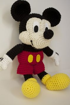 Free Mickey Mouse stuffed toy Crochet Patterns   Crocheted Mickey Mouse [Pattern Review]