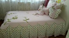 Baby Crib Bedding, Baby Bedroom, Quilt Bedding, Baby Room Decor, Linen Bedding, Kids Bedroom, Bed Styling, Bed Covers, Quilt Making