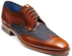 Perfect with a pair of dark denim jeans! Barker - Jackson in Tweed and Cedar.