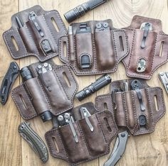 Diy Leather Tool Pouch, Diy Leather Tools, Leather Holster, Leather Projects, Leather Tooling, Leather Case, Leather Wallet, Leather Knife Sheath Pattern, Edc Everyday Carry