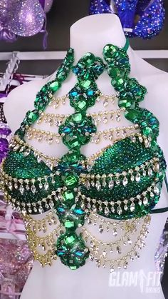 Bollywood inspired WBFF fitness competition bikini Source by de carnaval Carnival Fashion, Carnival Outfits, Carnival Costumes, Belly Dance Bra, Belly Dance Outfit, Belly Dance Costumes, Costume Carnaval, Samba Costume, Rave Outfit