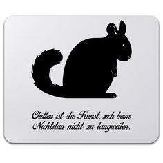 Mauspad Druck Chinchilla aus Naturkautschuk  ##MATERIALS_COLORNAME## - Das Original von Mr. & Mrs. Panda.  Ein wunderschönes Mouse Pad der Marke Mr. & Mrs. Panda. Alle Motive werden liebevoll gestaltet und in unserer Manufaktur in Norddeutschland per Hand auf die Mouse Pads aufgebracht.    Über unser Motiv Chinchilla  Chinchillas sind Nagetiere und lieben ausgiebige Sandbäder. Sie sind sehr neugierige Tiere, die tagsüber viel Schlaf brauchen.    Verwendete Materialien…