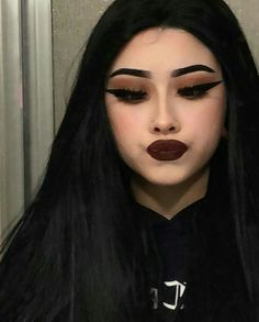 simple makeup looks Goth Eye Makeup, Grunge Makeup, Pink Makeup, Girls Makeup, Makeup Art, Eyeshadow Makeup, Eyebrow Makeup, Style Grunge, Grunge Look