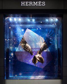 Hermes, Christmas 2009 - WingsPlusSaddle Hermes Window, Store Window Displays, Window Display Design, Signage Display, Showcase Design, Window Art, Retail Design, Retail Windows, Shop Windows