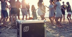 SOUNDBOKS is the ultimate speaker for outdoor parties and sports. Designed by industry-leading engineers and experienced party-goers, it delivers extreme volume, maximum battery life and unbreakable design.