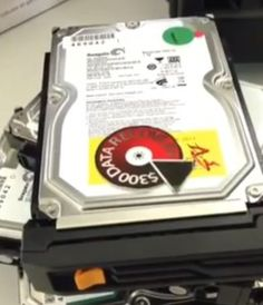 Video: Data recovery from 4 x Seagate hard drives: RAID 5