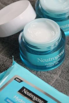 NEUTROGENA HYDRO BOOST Neutrogena, Amazon Echo, Style Blog, Personal Style, Couture, Beauty, Haute Couture, Beleza, High Fashion