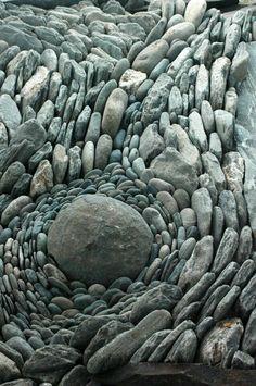"for a man to go away by himself . to sit on a rock ."" ― Carl Sandburg (photo via land art) Land Art, Pebble Mosaic, Pebble Art, Rock Mosaic, Mosaic Rocks, Pebble Stone, Art Environnemental, Foto Macro, Art Pierre"