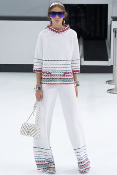 Chanel Spring 2016 Ready-to-Wear