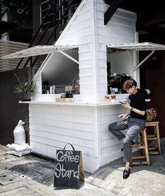 Opening A Coffee Shop, Small Coffee Shop, Coffee Shop Bar, Coffee Bar Home, Coffee Store, Cafe Shop Design, Retail Store Design, Salon Interior Design, Cafe Interior