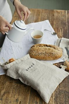 Printed linen bread bag. Drawstring linen bread storage bad. Stone washed bread bag. Sustainable foo