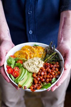 Spicy BBQ Chickpea and Crispy Polenta Bowls with Asparagus + Ranch Hummus - Vegetarian or Vegan Think Food, Food For Thought, Crispy Polenta, Fried Polenta, Polenta Fries, Whole Food Recipes, Cooking Recipes, Dessert Recipes, Clean Eating