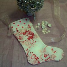 My Life at Pansy Cottage and Garden: Christmas Stocking Tutorial http://pansycottagegarden.blogspot.com/2009/11/christmas-stocking-tutorial.html