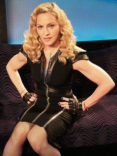 How to Get Madonna's Arms Madonna Photos, Madonna 80s, Verona, Yoga Facts, Tone Arms Workout, Toned Arms, People Magazine, Sabrina Carpenter, Gal Gadot