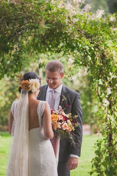 32 of the Most Stunning Fall Bridal Bouquets You've Ever Laid Eyes On ~ we ♥ this! moncheribridals.com