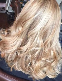 Perfect honey blonde balayage hair color Full head of Champagne and soft blonde woven highlights rose gold blonde highlights guy tang - Hairstyles For All Full Head Highlights Blonde, Hair Color Highlights, Hair Color Balayage, Blonde Color, Blonde Balayage, Blonde Ombre, Ombre Hair, Blonde Foils, Pearl Blonde