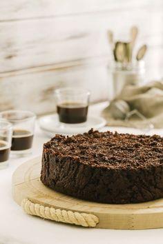 chocolate and cocoa bread pudding cake . Chocolate Muffins, Chocolate Desserts, Chocolate Cake, Chocolate Heaven, Cocoa Bread, Kitchen Recipes, Cooking Recipes, Cookbook Recipes, Sweet Recipes