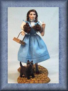Dressing Dorothy - www.cynthiahoweminiatures.com
