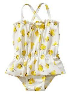 sewing baby girl floral bow peplum one piece Little Girl Fashion, My Little Girl, Kids Fashion, Cute Kids, Cute Babies, Baby Swimsuit, Baby Bikini, Easy Baby Blanket, Kids Swimwear