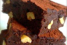 Brownie com Biomassa de Banana Verde - já escrevi sobre o que é a Biomassa de Banana Verde, como preparar e qual sua utilização culinária, hoje tem receita.