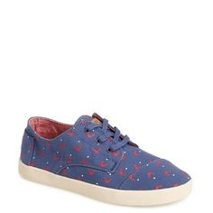 Women's TOMS 'Paseo - Crab Print' Sneaker ($58) ❤ liked on Polyvore featuring shoes, sneakers, canvas trainers, low top, toms shoes, low profile sneakers and red shoes