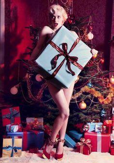 christmas fashion editorial vogue - Google Search