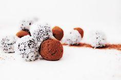 Raw Cacao Truffles Raw Cacao, Truffles, My Recipes, Food, Meals, Yemek, Truffle, Eten, Cake Truffles