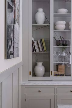 Grey Kitchens, Home Kitchens, Skandi Kitchen, Country Look, Traditional Kitchen, Beautiful Kitchens, Open Shelving, Carrara, Kitchen Design