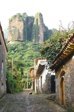 El cerro del Tepozteco en Tepoztlan, estado de Morelos