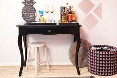 Quer um espaço divertido em casa? Faça um barzinho com os elementos certos e é sucesso na certa ;)