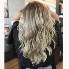 Blonde balayage shadow root