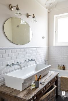 KIDS BATHROOM -★- ROYAL ROULOTTE Picture Louise Desrosiers / Stylist Amandine Schira
