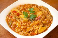 Creo que ya sabéis por las redes sociales, que uno de los arroces que más hacemos en casa es el arroz con bacalao , una preparación que hemo...