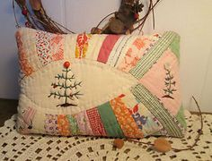 Primitive CHRISTMAS TREE Stitchery PILLOW made from ANTIQUE Wedding Ring QUILT