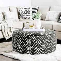 Cozy up🖤 Living Room Goals, Cozy Living Rooms, Living Room Decor, Ottoman, Chair, Furniture, Home Decor, Drawing Room Decoration, Cosy Living Rooms
