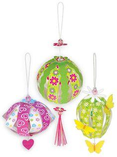 * * *La boite à idées de l' atelier 3B* * *: DIY Paper balls Diy Paper, Paper Art, Papier Diy, Paper Balls, Projects For Kids, Autumn Leaves, Diy And Crafts, Christmas Ornaments, Holiday Decor