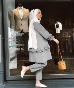 ZAFUL offers a wide selection of trendy fashion style women's clothing. Modest Fashion Hijab, Modern Hijab Fashion, Street Hijab Fashion, Hijab Fashion Inspiration, Abaya Fashion, Muslim Fashion, Casual Hijab Outfit, Fashion Outfits, Modest Dresses