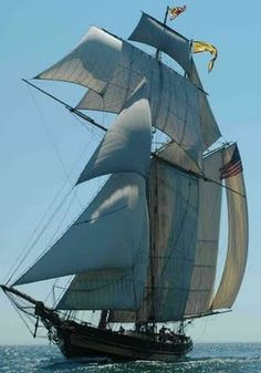 Pride of Baltimore II With every stitch of canvas flying